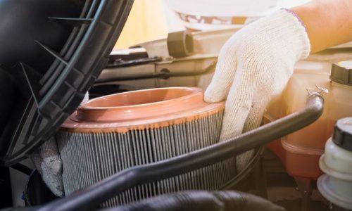 Filtr powietrza w samochodzie – kiedy wymienić? Dlaczego to ważne?
