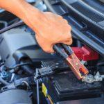 Jak odpalić samochód przy użyciu kabli rozruchowych